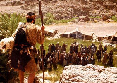 6 - Juan el Bautista predicando